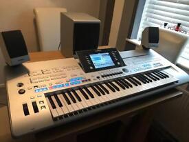 Yamaha Tyros 4 Pro Arranger Keyboard