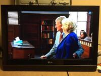 "Lg 32"" hd freeview LCD tv"