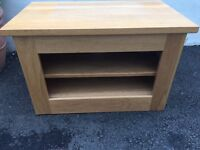Solid oak tv stand. Great condition. 76cm wide x 45 deep x 48 high.