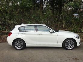 BMW 1 Series 1.5 118i 136 bhp Sports Hatch Auto 5 dr Alpine White Cloth Corner Anthracite