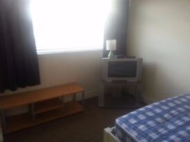 room double rent belfast includes all bill eletric heating broadband house cleaned weekly great area