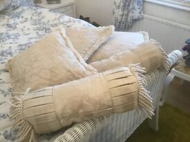 Set of superior cushions in cream damask material
