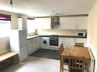 Bright & spacious 3 Bed Flat on Mitcham Rd Tooting. (Only 3 Minutes walk from Tooting Broadway Tube)