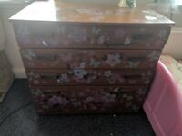 beautiful chest drawer for quick sale