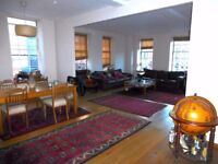 NEW YORK STYLE APPARTMENT OVERLLOOKING BRISTOL HARBOUR.