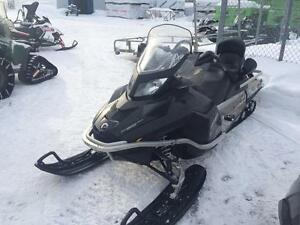 2010 SKI-DOO EXPEDITION 1200 20 POUCES