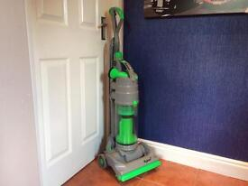 Refurbished *MINT CONDITION* Dyson Vacuum Cleaner Hoover- Complete with accessories!