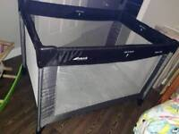 Hauck dream'n'play travel cot and extra mattress