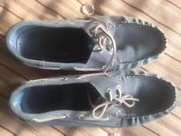 Mens Size 10 Canvas Deck Shoes