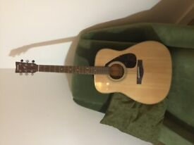 Yamaha guitar brand new not used at all with case