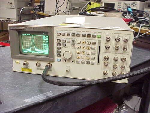 Hewlett Packard 8922M GSM/DCS/PCS Test Set IF Option 06-spectrum