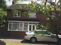 5 BEDROOM HOUSE AVAILABLE IN WILLENHALL