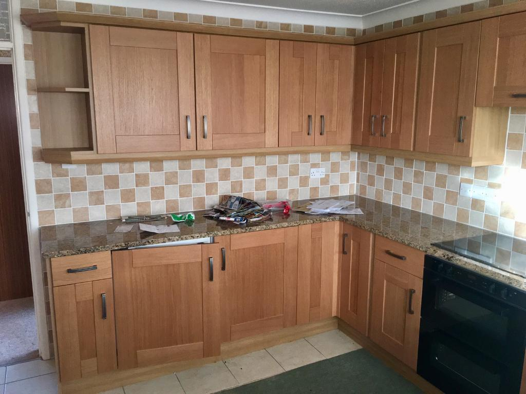 Lovely Solid Wood Kitchen With Granite Worktops In Yeovil Somerset