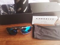 Sunglasses New OAKLEY Polarized BadMan