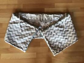 Baby bumper fabrico elephant chevron grey white teal trim