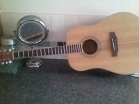 lovely guitar in new condition, never been used,