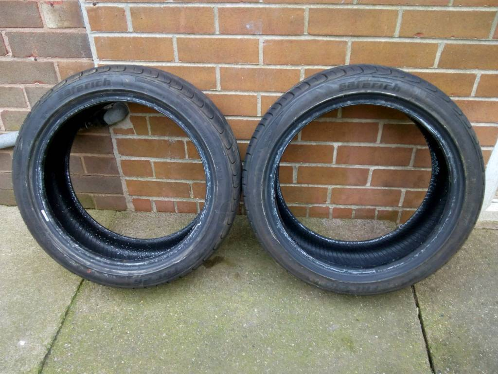 Pair of nearly new 195/45/16 matching tyres