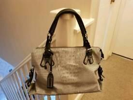 Bullagi Handbag