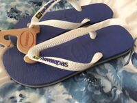 Brand new size 5-6 havaianas with tags.