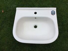 Iflo Rhea hand basin