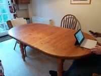 Extendable pine oval kitchen table