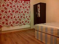 Lovely double room in Chiswick! all bills inclusive!