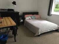 Large double bedroom with ensuite in the city center