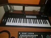 Novation Launchkey 49 mk 2 midi keyboard