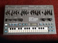 Roland MC- 202 in great condition