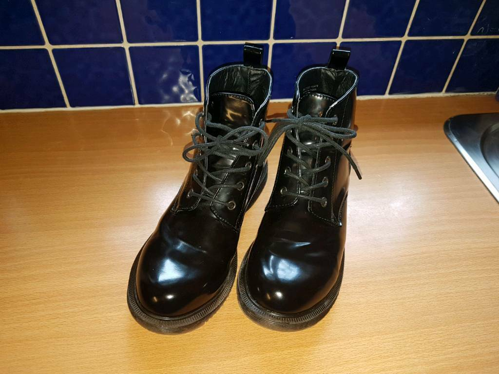 Various boots-see pics- all for £10
