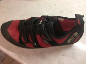 Red Chili Spirit climbing shoes – Velcro impact zone, size uk10.5, good condition