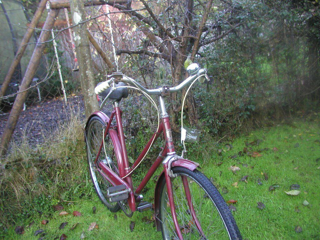 ladies rudge vintage bicycle,hubdate 1949,new tyres,runs beautifully,serviced