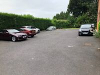 Gated parking space to rent in Kingswod near station and shops