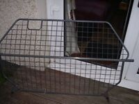 2001-2004 hyundai santafe factory dog guard for sale,easily fitted.sold my 4x4 for an esate