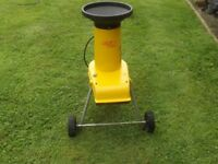 NICE ALKO H 1300S GARDEN SHREDDER ALL IN FINE WORKING ORDER TRY BEFORE YOU TAKE IT AWAY BARGAIN