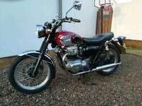 Kawasaki w650. Like bonneville cafe bobber