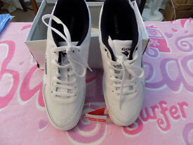 Men's Gola Trainers - Size 11 - Brand New In Box