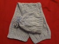 kids scarf and hat