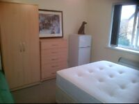 REGAL DOUBLE ROOM £325PM/£100DEPOSIT, BEUMOUNT LEYS AREA LE4 1AB, FOR EMPLOYED COUPLES AND SINGLES