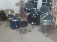 Drum kit, 5 drums, two cymbals, stool