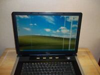 FUJITSU SEIMENS LAPTOP FOR SALE PERFECT WORKING ORDER A COUPLE OF VERTICAL LINES ON SCREEN
