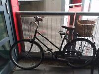 Vintage Style Bobbin Bramble green bicycle in great condition!!!