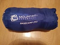 Mountain Essential Basecamp 250 Sleeping bag
