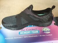SKECHERS EMPIRE-SHARP THINKING AIR COOLED MEMORY FOAM BLACK/CHARCOAL SIZE 7/40 WIDE FIT