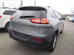 2016 Jeep Cherokee North | 4X4 | ONE OWNER | BLUETOOTH London Ontario image 6