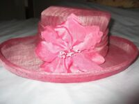 Viyella Ladies Pink Hat complete with Hat Box.