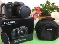 FujiFilm S9900W plus case