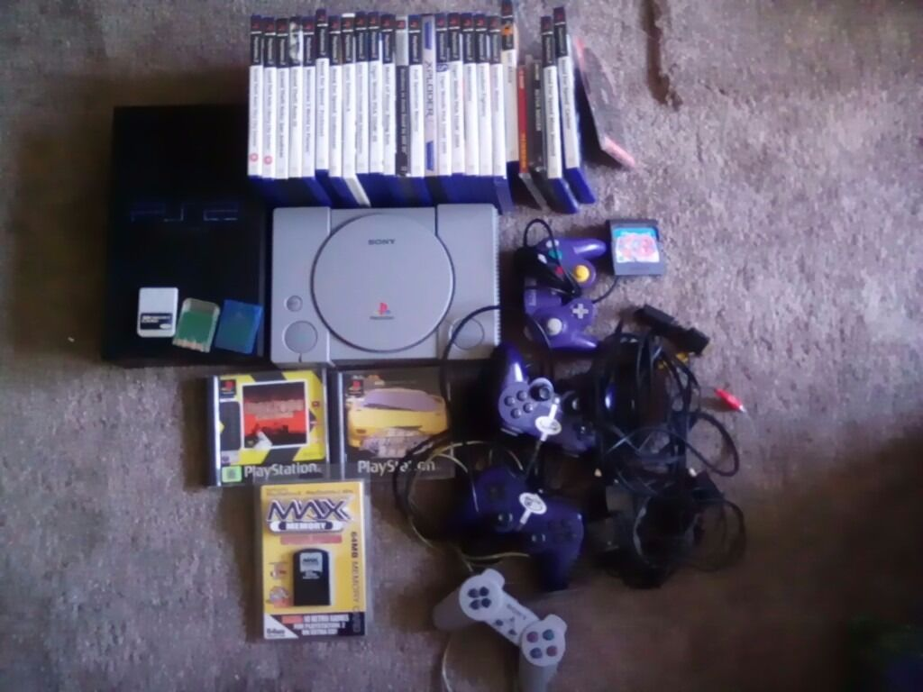 Playstation 1+2 plus various games and controllers