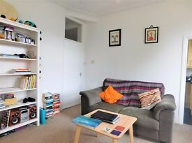 Spacious 1 bedroom flat walking distance to West Ealing station