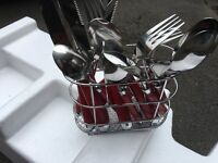 Nice cutlery set bargain !!! £3 collect from clipsone in Mansfield !